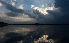 Orai: šilumos bus, bet dangų temdys įkyrūs debesys ir lietus