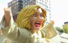 Niujorke stebina apsinuoginusios H. Clinton statula