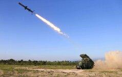 Šiaurės Korėja išbandė naują raketos variklį