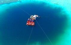 Kinija teigia atradusi giliausia pasaulyje povandeninę smegduobę