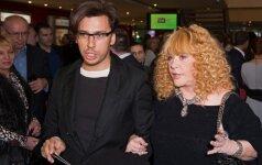 67-erių A. Pugačiova dėl savo jauno vyro viešai apsinuogino VIDEO