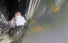 Gniaužia kvapą: vestuvių fotosesija ant bedugnės krašto