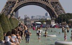 Teroristų išpuoliai, streikai ir lietus kirto Prancūzijos turizmo sektoriui