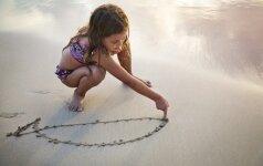 Atostogaujame su vaikais: geriausi paplūdimio žaidimai