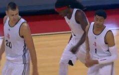 """D.Motiejūnas vėl sužibėjo NBA Vasaros lygoje ir atvedė """"Rockets"""" ekipą į pergalę"""