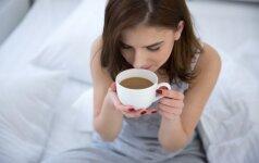 Dieną pradedate kavos puodeliu? Tai šį tą apie jus pasako
