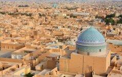 Iranas nepritars susitarimui Alžyre ir naftos gavybos neapribos