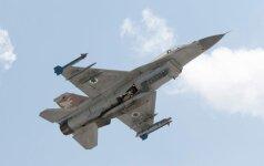 """Izraelio aviacija atakavo """"Hamas"""" taikinius Gazos Ruože"""