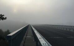 Eismo sąlygas rytinėje ir pietinėje Lietuvoje sunkina rūkas