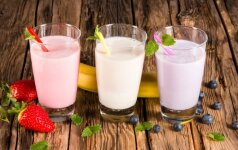 """Stiklinėje """"sveiko"""" gėrimo –kraštutiniai cukraus kiekiai"""