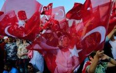 Vokietijai truko kantrybė: žada persvarstyti savo santykius su Turkija