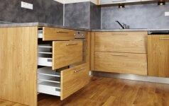 Virtuvės spintelių ir stalčių valymas: darykite tai su gera nuotaika