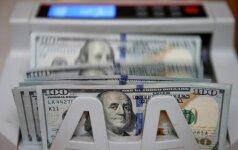 Artėjant D. Trumpo kalbai Kongrese, doleris kilo