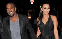 K. Kardashian kūdikį nešiojanti moteris gyvena it karalienė