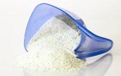 Vidutinis lietuvis per metus sunaudoja daugiau nei stiklinę fosfatų