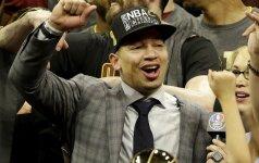 """NBA titulą į Klivlandą atnešęs T. Lue su """"Cavs"""" pasirašė ilgalaikę sutartį"""