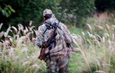 Medžiotojai kreipėsi į policiją – kažkas pavogė šernieną