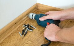 Kaip teisingai sukloti grindjuostes