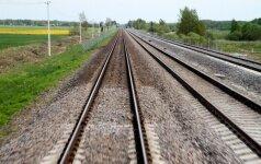 Pagėgių sav. nuo bėgių nuriedėjo krovininis traukinys