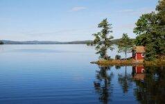 Klausia skaitytojas: kas leidžiama turint sodybą prie ežero?