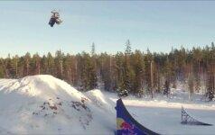 Švedas D.Bodinas pirmas atliko dvigubą apsivertimą ore sniegomobiliu