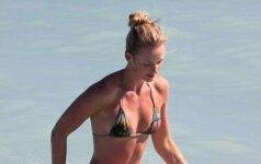 26 metų Rusijos modelio figūra Majamio paplūdimyje traukė paparacių dėmesį
