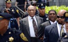 B. Cosby bus teisiamas dėl seksualinio smurto