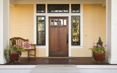 Kaip išsirinkti lauko duris?