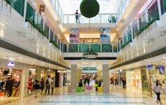Užsienyje prekybos centruose pramogaujama, Lietuvoje — tvarkomi reikalai