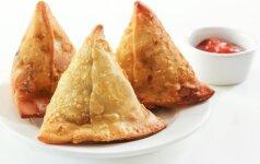 Netikėtai skanu: indiški pyragėliai su daržovėmis – samosa