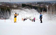 Tikras nuotaikos užtaisas: geriausios slidinėjimo trasos Lietuvoje nepamirštamai žiemai