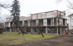 Magija Vilniaus širdyje: užgrobus valstybinį namą ėmė kilti daugiabutis turčiams