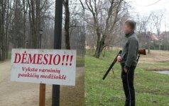 Ornitologai: barbariškam perinčių kovų naikinimui medžiotojai pasitelkė ir paauglius
