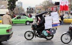 Irano vyriausybė pritarė planams keisti valiutą