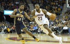 NBA: sergantis L. Jamesas, eilinis R. Westbrooko šou ir trys pratęsimai Brukline