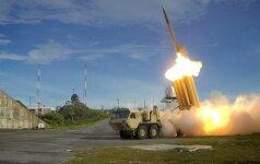 JAV pradėjo Pietų Korėjoje dislokuoti priešraketinės gynybos sistemą