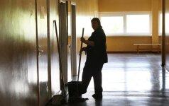 Emigrantai apie valytojas su aukštuoju: blogai kalbama iš pavydo