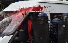 Prancūzijoje siautėjo agresyvūs demonstrantai