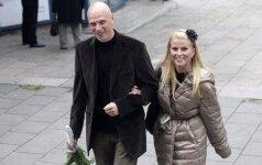 Po 12 metų R. Mikelkevičiūtė su vyru susituokė ir bažnyčioje