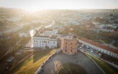 Siūlo neįprastą ekskursiją Vilniaus senamiestyje: seka šunų pėdutėmis