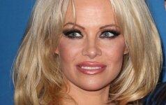48 metų Pamela Anderson ir vėl nusimetė visus drabužėlius (foto - straipsnyje)