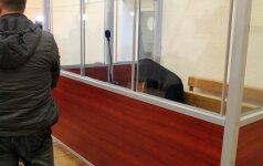 Jauno panevėžiečio nužudymu įtariami jaunuoliai vienas po kito atvežti į teismą