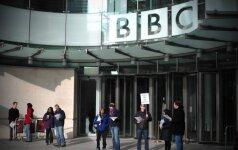BBC darbuotojos dėl algų parašė viešą laišką savo vadovui