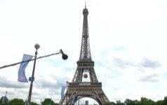 Britų šeima praleido naktį Eifelio bokšte