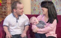 Aborto atsisakiusi žemaūgių šeima džiaugiasi naujagimiu