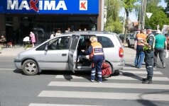 Vilniuje jauna vairuotoja perėjoje partrenkė moterį su kūdikiu