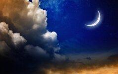 Delikatesas dangaus stebėtojams: penktadienį stos Juodasis mėnulis