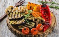 Paskutinėms iškyloms gamtoje – paprika ir sūris ant grilio