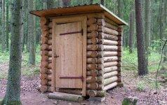 Kas šeštas Lietuvos gyventojas vis dar naudojasi lauko tualetu