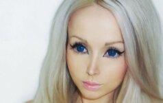Įveržtas korsetas išryškino įspūdingo dydžio ukrainietės krūtinę